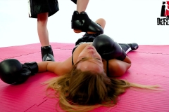 DEFEATED-Boxe-4---Tracy-Lilith-(35)