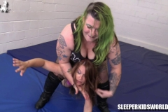SKW-BETTY-BATTLES-THE-BUTCHER-(31)
