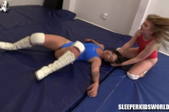 SKW-DOUBLE-DEBUT---ruby-red-vs-lily-(20)