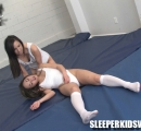SKW-PRESSURE-POINT-CHALLENGE---lucy-purr-vs-sumiko-(6)