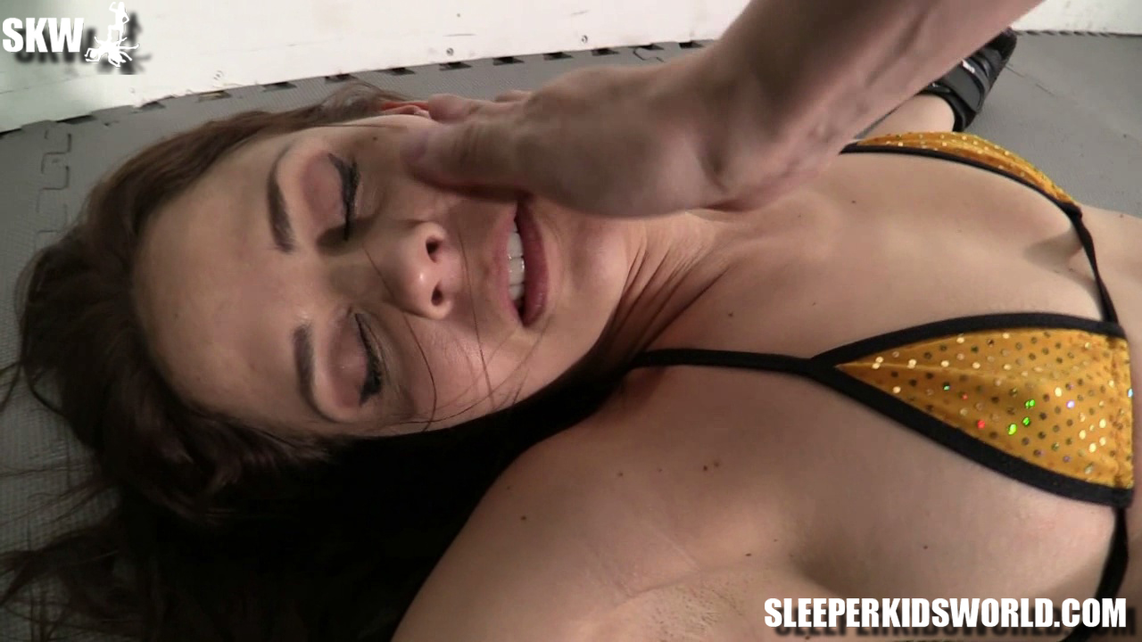 SKW-SIX-ROUNDS-WITH-CALI-LOGAN-(97)