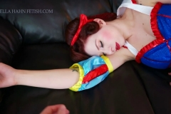 [C4S] - Ludella Hahns Fetish Adventures - Snow White & the 7 KOs (16)