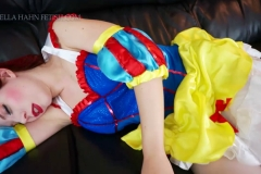 [C4S] - Ludella Hahns Fetish Adventures - Snow White & the 7 KOs (17)