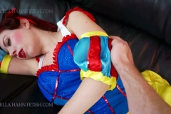 [C4S] - Ludella Hahns Fetish Adventures - Snow White & the 7 KOs (21)