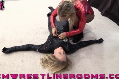 FWR-SPIDER-BECCA-MEETS-OFFICER-ARIA-(32)