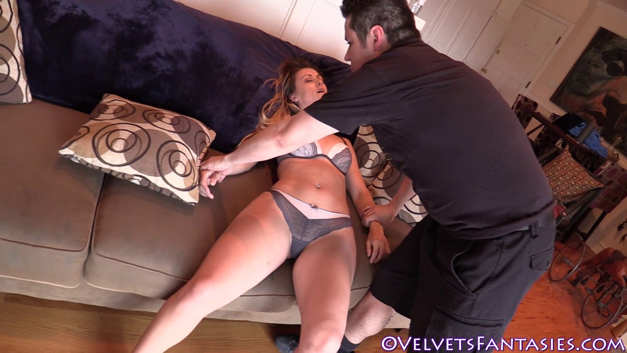 JVF-Staying-In-&-Going-Out-With-Karlie-Montana-(120)