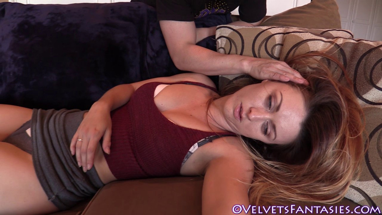 JVF-Staying-In-&-Going-Out-With-Karlie-Montana-(26)