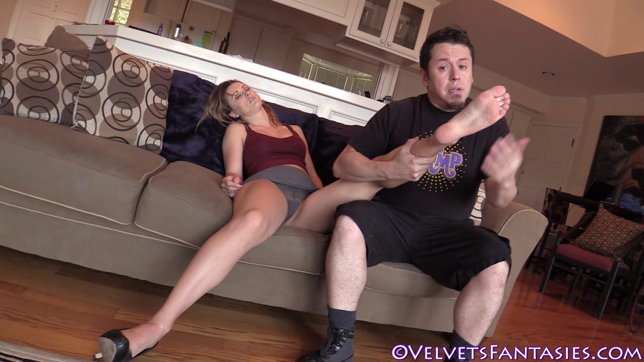 JVF-Staying-In-&-Going-Out-With-Karlie-Montana-(46)