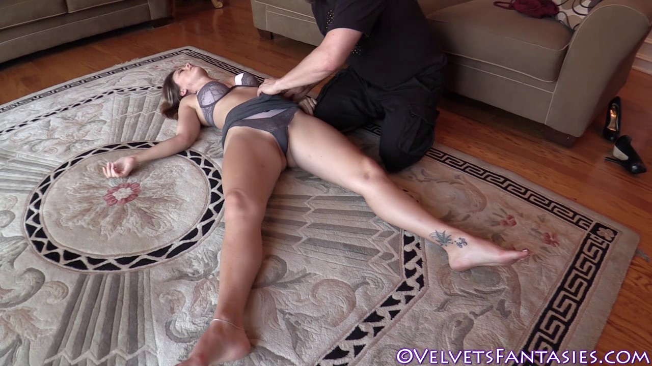 JVF-Staying-In-&-Going-Out-With-Karlie-Montana-(67)