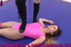FWR-TANI-VS-RENEE-ROOKIES-IN-THE-RING-(19)
