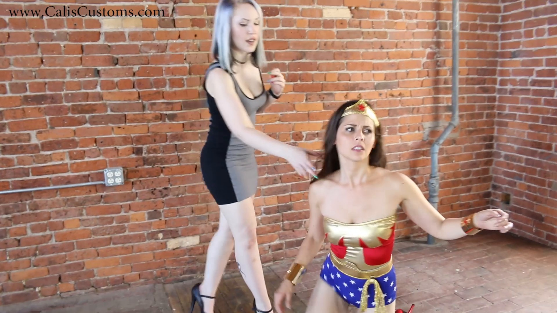 CALI The Wonder Woman KO Trap (21)