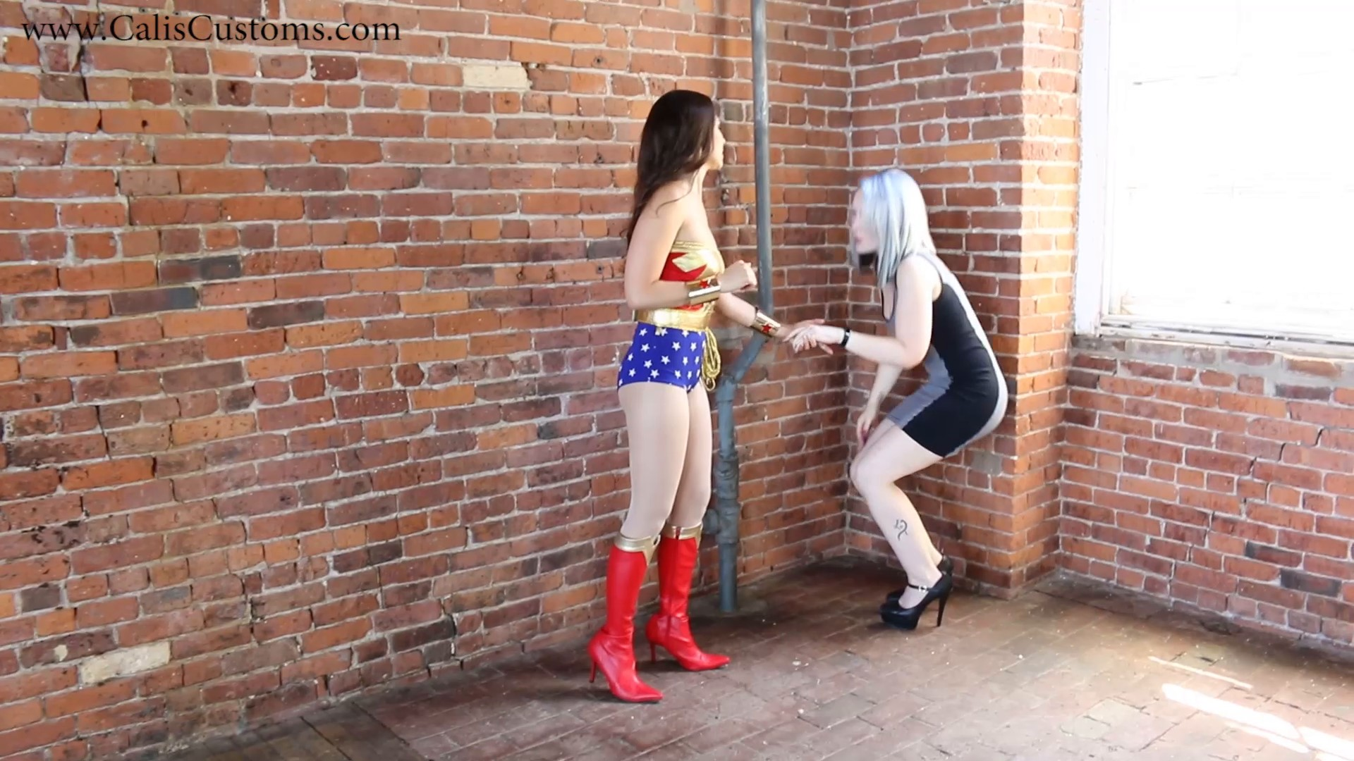 CALI The Wonder Woman KO Trap (3)