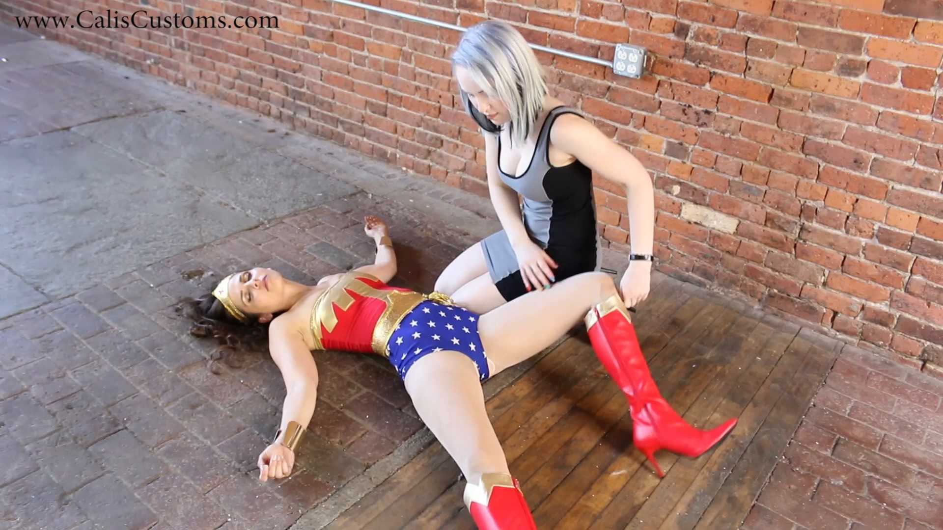 CALI The Wonder Woman KO Trap (32)