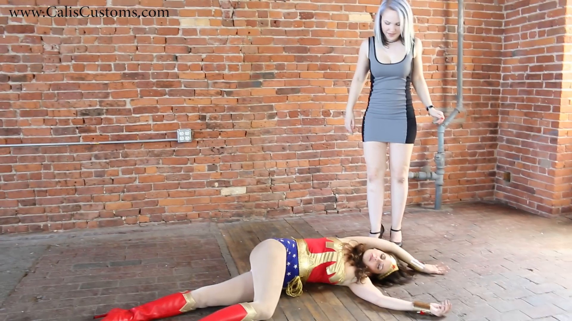 CALI The Wonder Woman KO Trap (46)