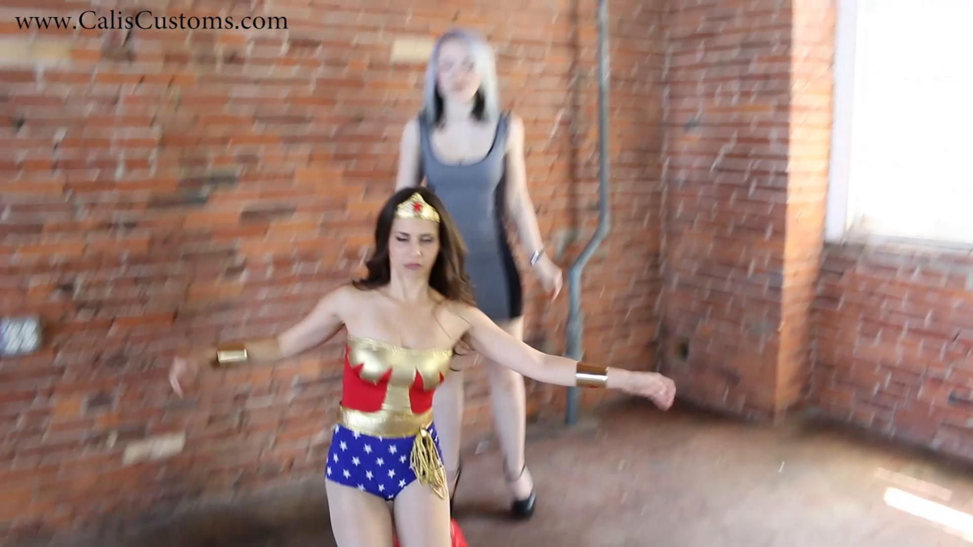 CALI The Wonder Woman KO Trap (5)