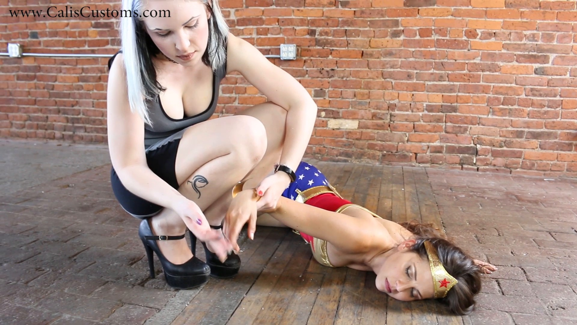 CALI The Wonder Woman KO Trap (66)