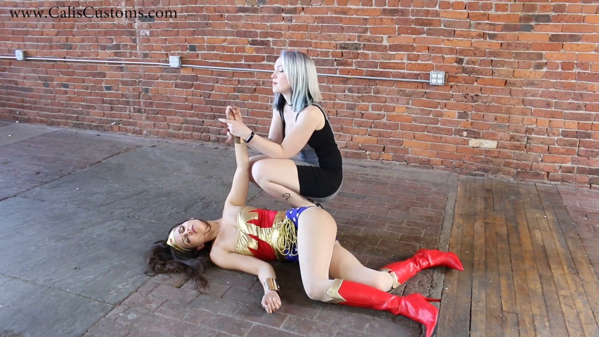 CALI The Wonder Woman KO Trap (73)