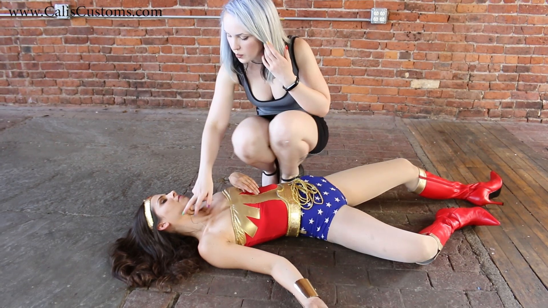 CALI The Wonder Woman KO Trap (76)