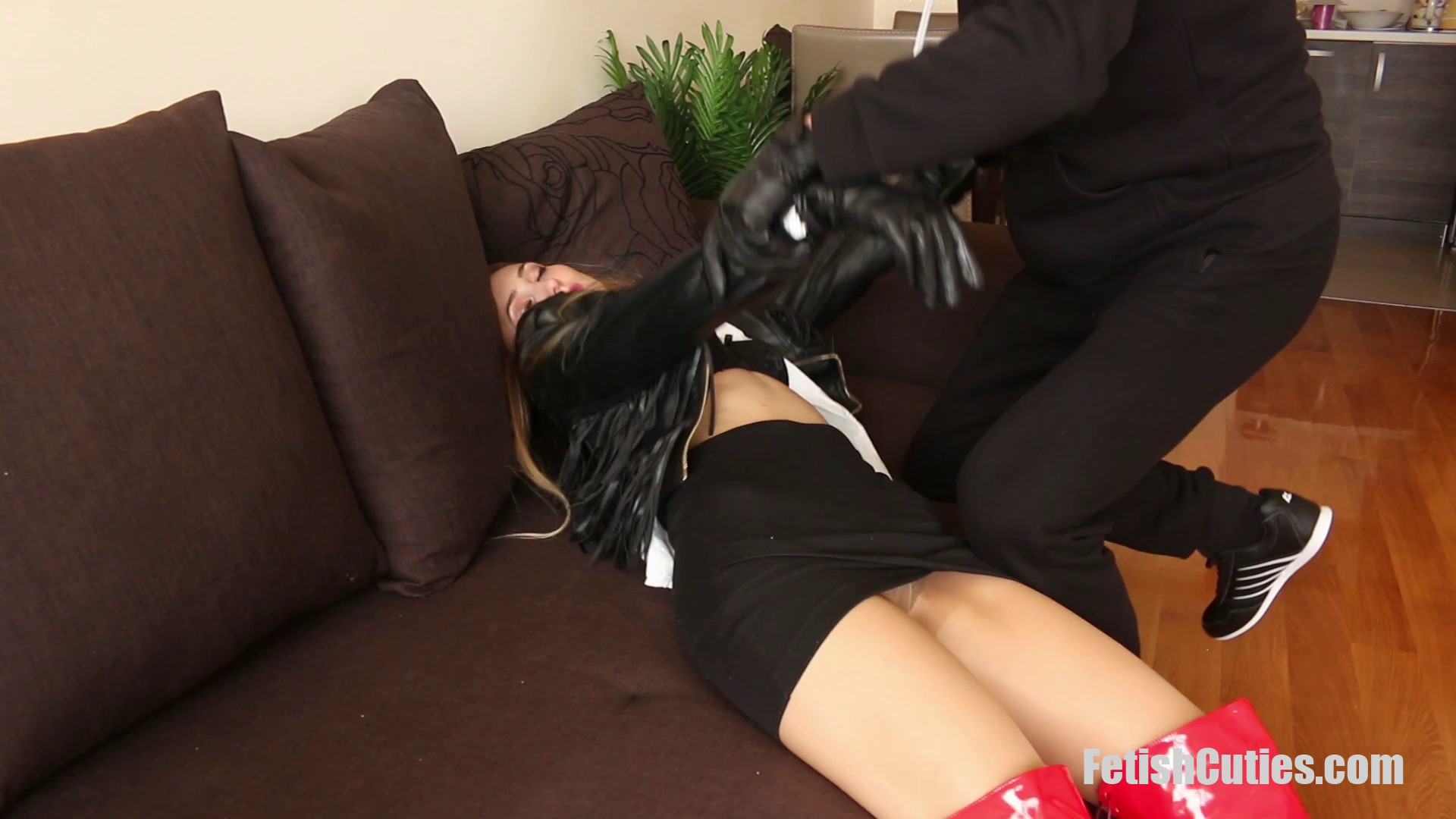 FETISH CUTIES Unsuspectedly Caught, Neck Chopped And Used For Pleasure (32)