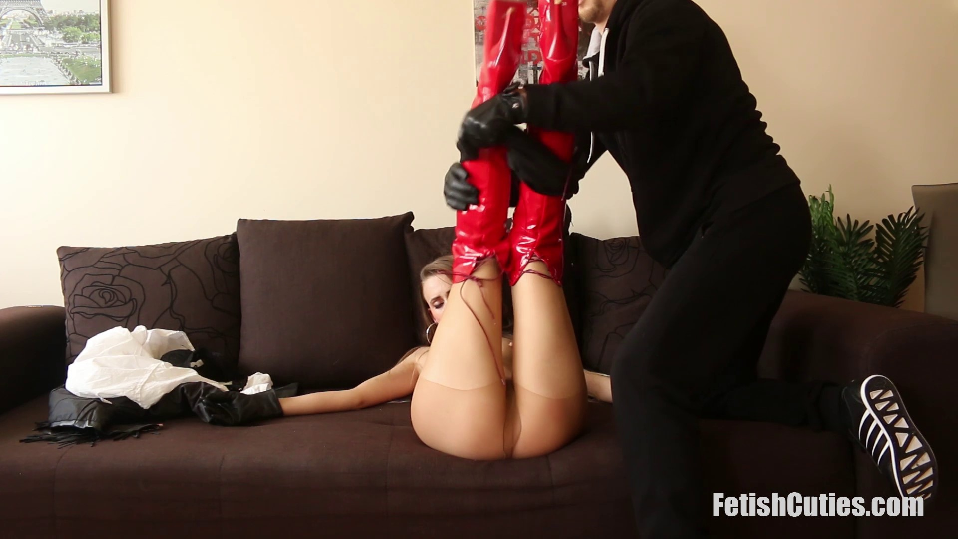 FETISH CUTIES Unsuspectedly Caught, Neck Chopped And Used For Pleasure (50)