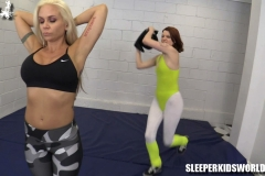 SKW-WORKING-OUT-WITH-MERRY-MEOW---angel-lee-(11.1)