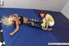 SKW-WORKING-OUT-WITH-MERRY-MEOW---angel-lee-(14)