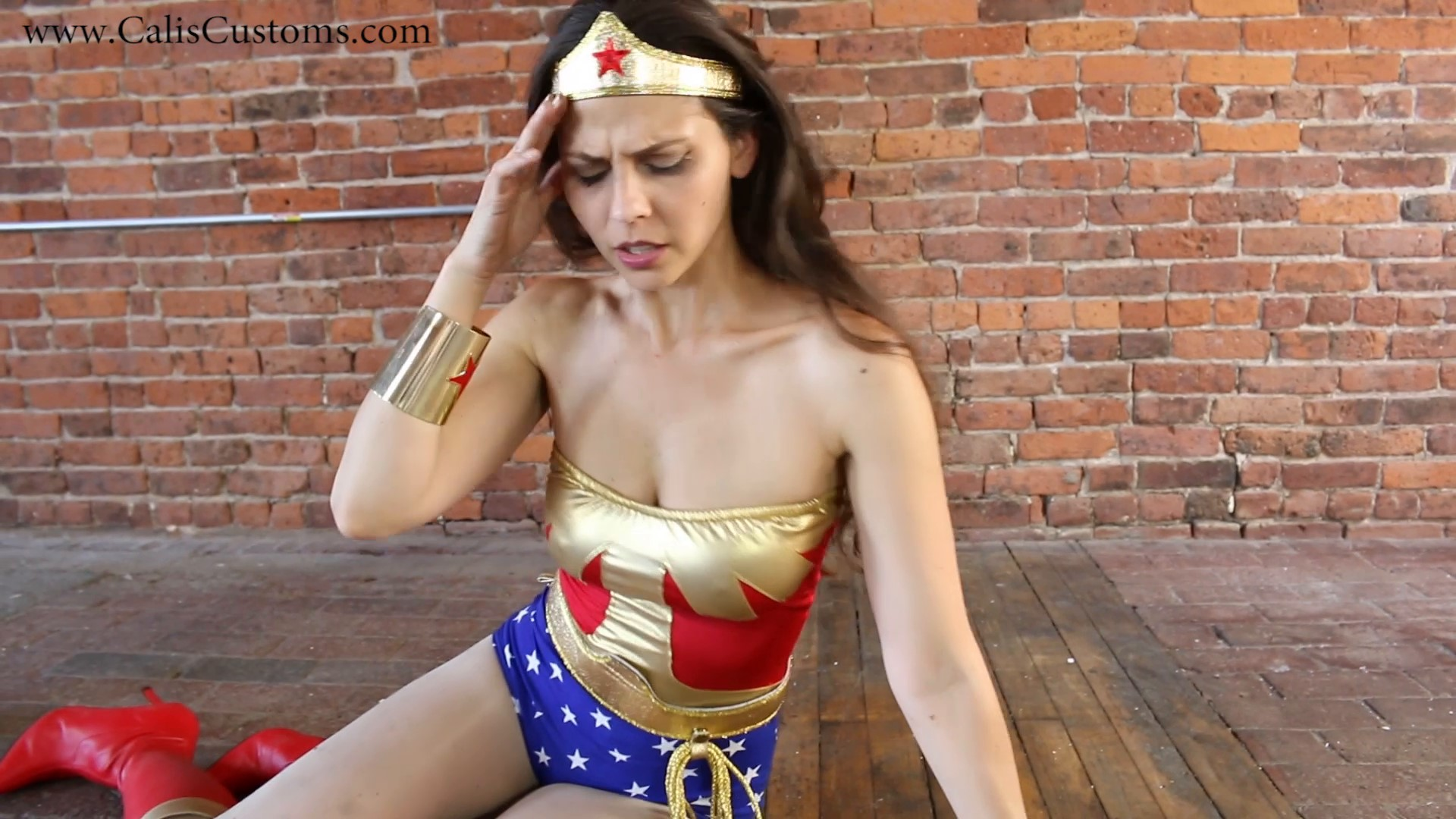 CALI-The-Wonder-Woman-KO-Trap-58